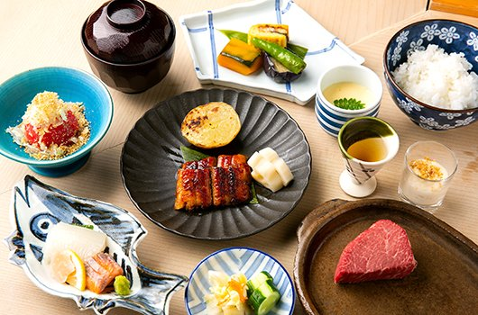 Grilled eel set at Robata Niseko Naniwatei.