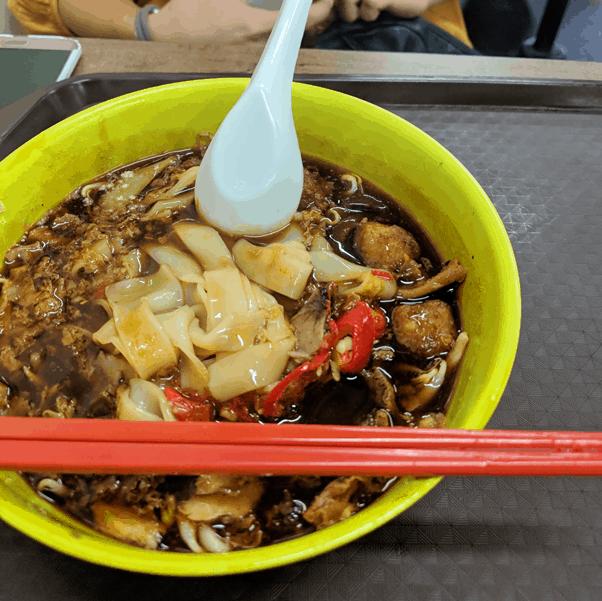 Wei Nan Wang Hock Kian Lor Mee (味難忘福建鹵麵)  in Market Street Interim Hawker Centre. Photo credit: Shuya Araya.