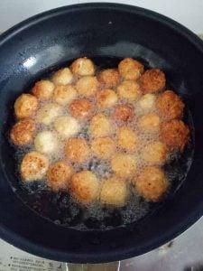fried-mooli-balls-wok
