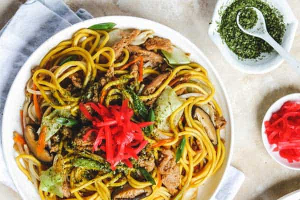 aonori on yakisoba noodles