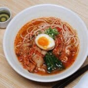 Kimchi Ramen Recipe To Spice Up Your Instant Noodles Game