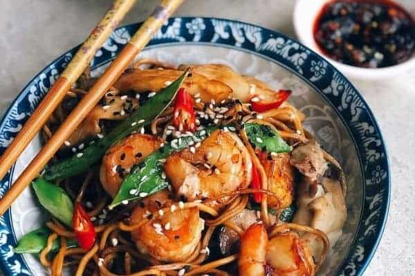 Cantonese Fried Noodles with Chilli and Sesame Seeds
