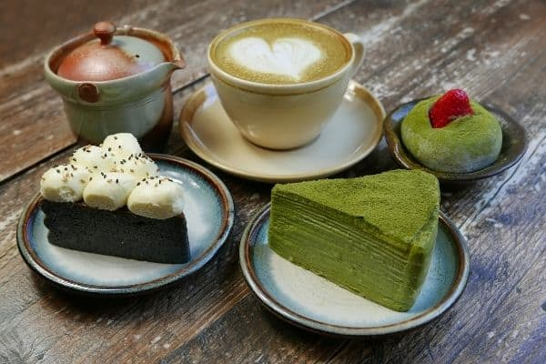 Japanese Tea and Cakes