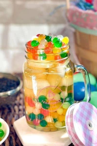 Coloured agar balls