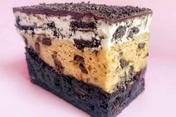 Cookies and Cream Brownie Bar