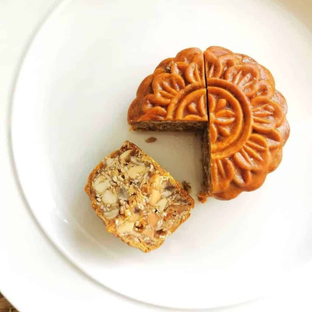 Cantonese cake with wu ren mixed nuts filling