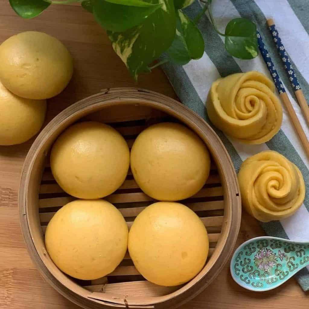 Pumpkin mantou steamed bun