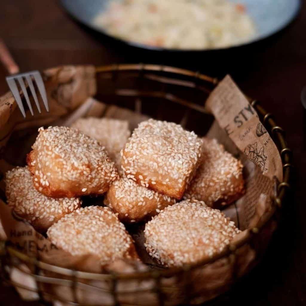 A classic Hong Kong dish made using shrimp, sesame and toast