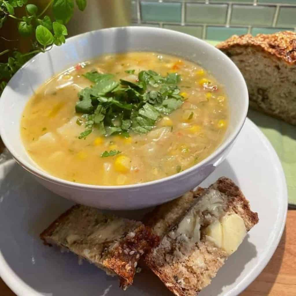 Cantonese soup with soda bread and butter