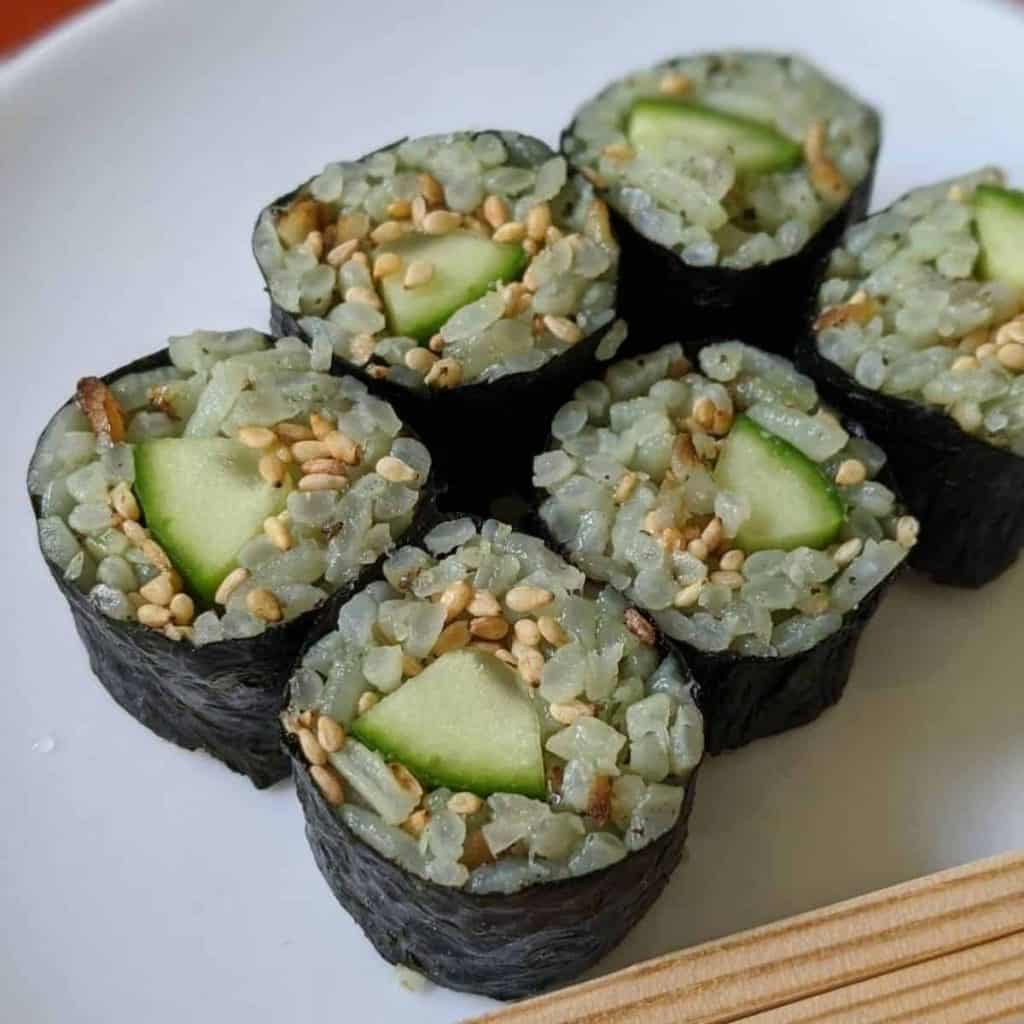Kappa roll with bamboo rice and sesame seeds